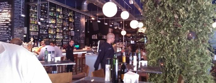 El Portal Taberna & Wines is one of Restaurantes!!.