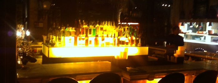 Beach Blanket Babylon is one of Nightclubs in London.