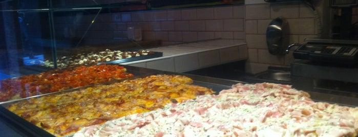 Pizza Al Cuadrado is one of Madrid comida resacosa.
