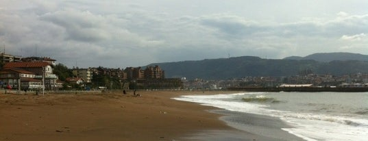 Playa de Ereaga Hondartza is one of let's get Bilbao's badge (Spain) #4sqCities.