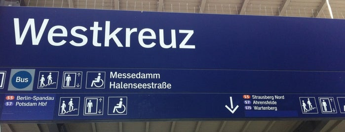 S Westkreuz is one of Besuchte Berliner Bahnhöfe.
