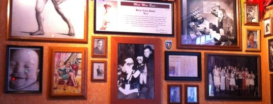 Buca di Beppo Italian Restaurant is one of Resturants to go to.