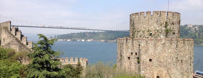 Rumeli Hisarı is one of istanbul turist stayla.