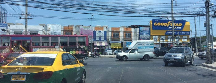 Bang Bon 3 Junction is one of ถนน.