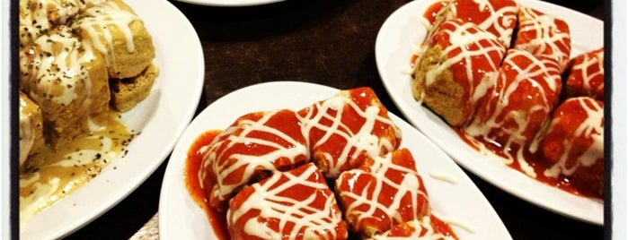 Chew Chew Chow Tofu (超超臭豆腐) is one of Food Hunt.