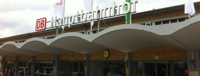 Wolfsburg Hauptbahnhof is one of Bahnhöfe DB.