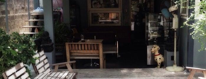 บ้านหอมกลิ่นดาว (Ban Hom Glin Dao) is one of Coffeelover ♪(´ε` ).