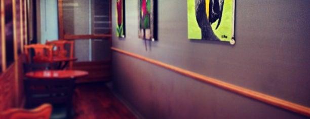 Mead's Green Door Cafe is one of Vegan <3.