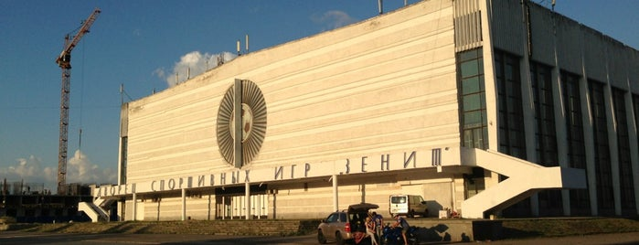 ДСИ Зенит is one of Основной состав.