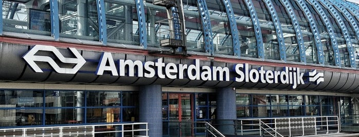 Station Amsterdam Sloterdijk is one of werk/school.