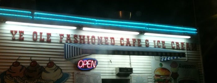 Ye Ole Fashioned Ice Cream and Sandwich Cafe is one of Charleston, SC #visitUS.