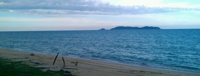 Pantai Peranginan Kelulut is one of F&B.