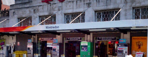 how to get to wimbledon by train