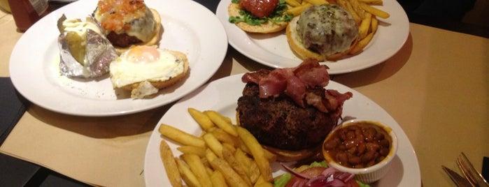 New York Burger is one of Madrid comida resacosa.