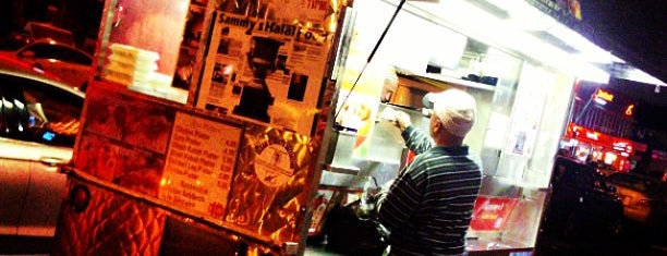 Sammy's Halal Cart is one of Be a Foodie!.