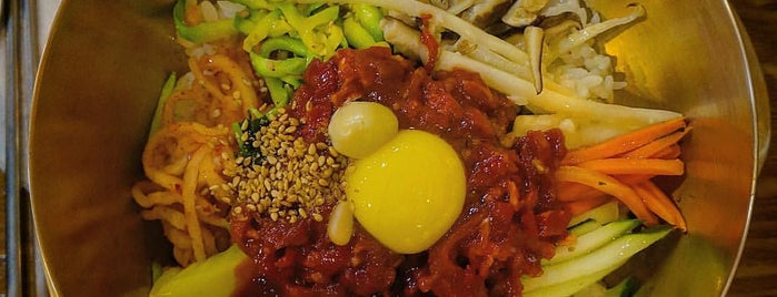 한국관 is one of 한국인이 사랑하는 오래된 한식당 100선.