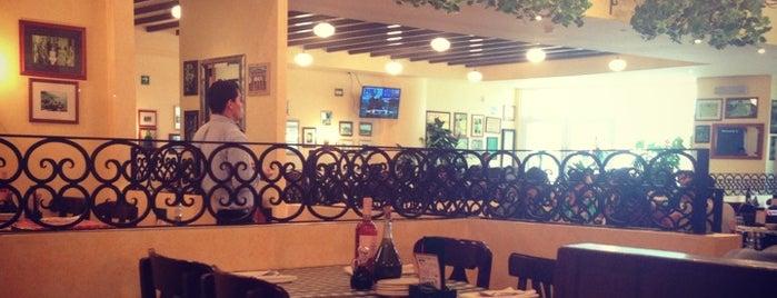Italianni's is one of Acapulco.
