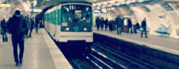 Métro Réaumur—Sébastopol [3,4] is one of Stations de metro a Paris.