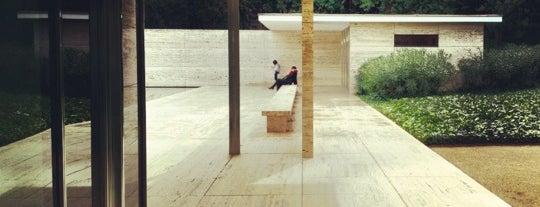 Mies van der Rohe Pavilion is one of Museus i monuments de Barcelona (gratis, o quasi).