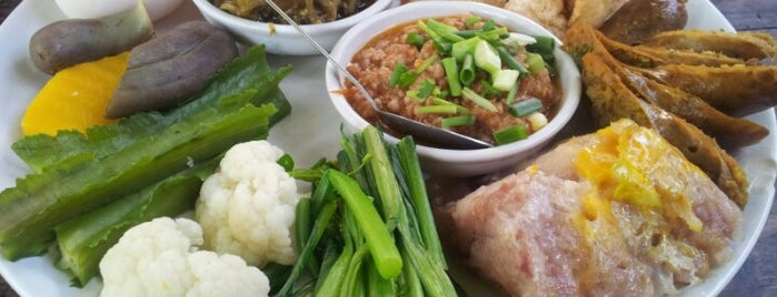 Tong Tem Toh is one of My favorites for Thai Restaurants.