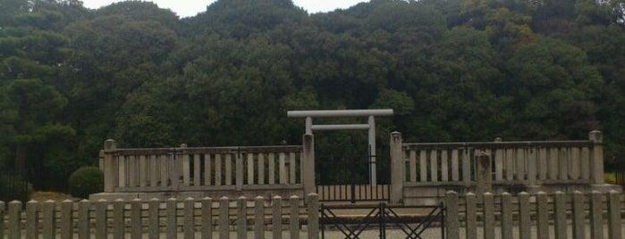 清寧天皇 河内坂門原陵 (白髪山古墳) is one of 天皇陵.