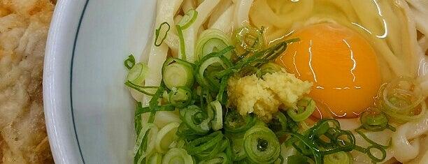 釜あげうどん 岡じま 高松店 is one of めざせ全店制覇~さぬきうどん生活~ Category:Ramen or Noodle House.