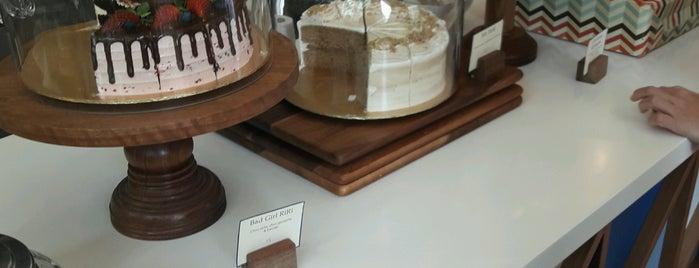 Cake Jalan Tiung is one of jalan2 cari makan seksyen 13 shah alam.
