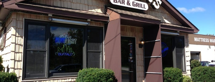 Grover's Bar & Grill is one of DINERS DRIVE-IN & DIVES 3.