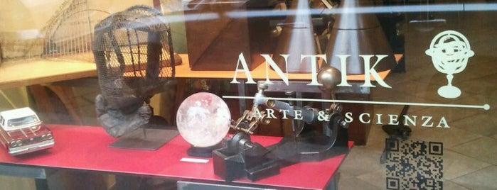 Antik Arte e Scienza is one of Restaurants milano.