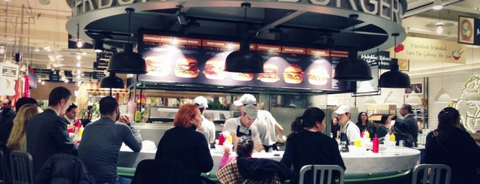 Mano Burger is one of Best Food, Beverage & Dessert in İstanbul.