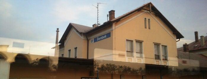 Železniční stanice Šternberk is one of Železniční stanice ČR: Š-U (12/14).
