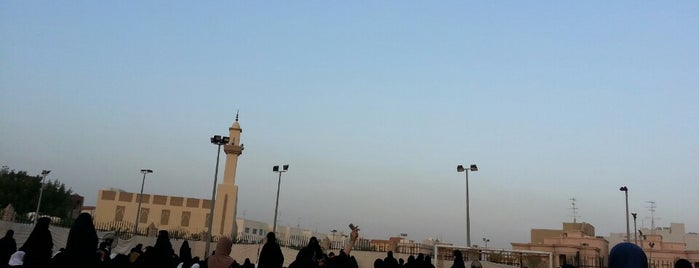 ملعب المعهد الديني is one of Courts Kuwait.