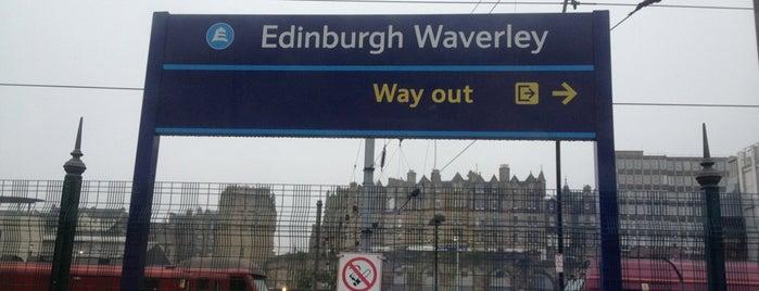 Edinburgh Waverley Railway Station (EDB) is one of Mon Carnet de bord.