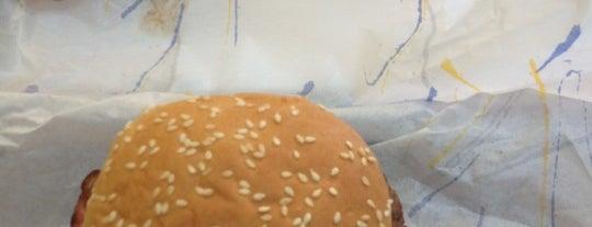 Newburger is one of Top 10 dinner spots in Almada, Portugal.