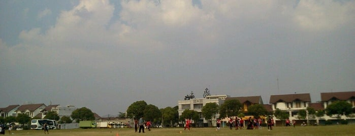 Lapangan Batununggal is one of All-time favorites in Indonesia.