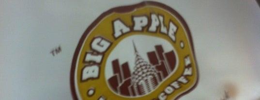 Big Apple Donuts & Coffee is one of Cafe & Kopitiam.