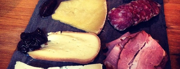 Murray's Cheese Bar is one of New York Eats List.