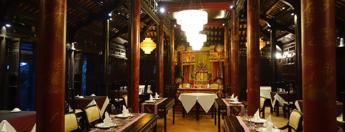 Ancient Hue Restaurant is one of Huế.