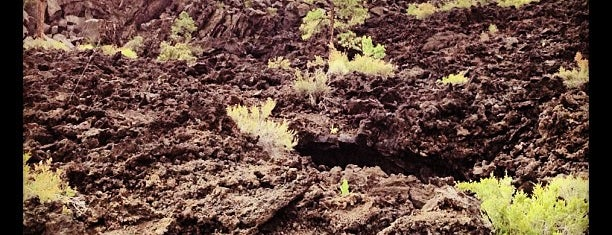 Sunset Crater Volcano National Monument is one of National Parks.