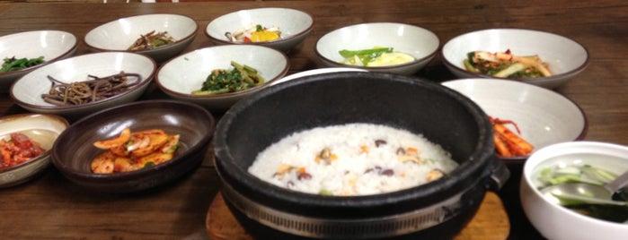 성인봉 is one of 대구 Daegu 맛집.