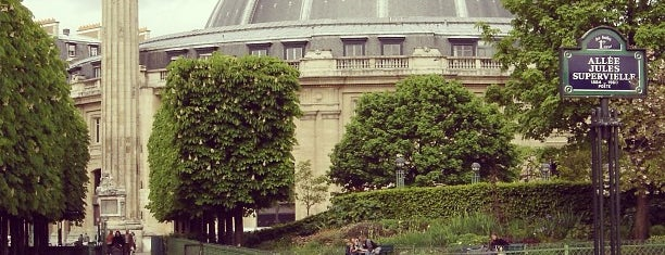 Jardin Nelson Mandela is one of Parcs & Jardins de Paris.