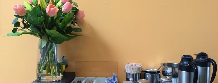 Un Cafecito is one of Tenderloin.