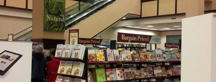 Barnes & Noble is one of Places I wanna go to.