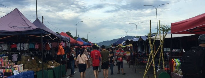 Pasar Malam Cempaka is one of Best Foods & Restaurants in Nilai Area.