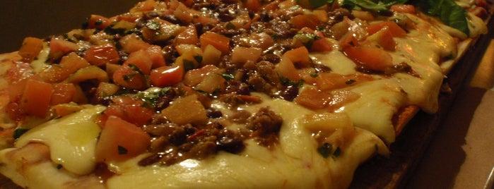 La Más Querida is one of Pizzerías de Buenos Aires.