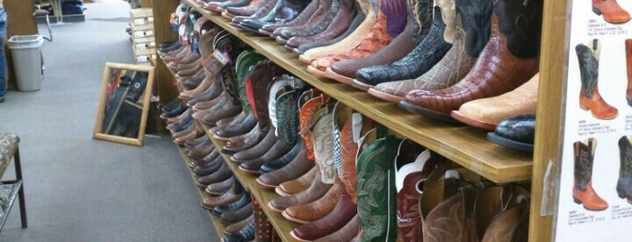 Clothing Stores In Tulsa Hills