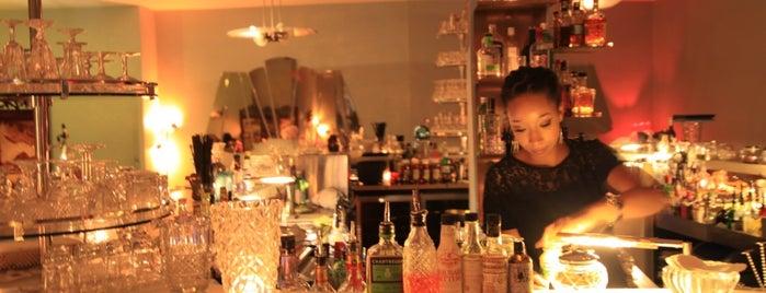 Le Verre à Monique is one of Bars.