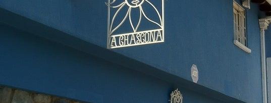 Casa Museo La Chascona is one of Chilena Turisteando en Chile<3.