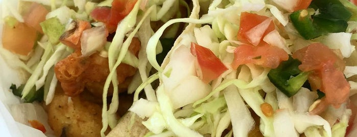 Ricky's Fish Tacos is one of Ryan & Rebecca To Do.