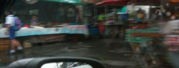 ตลาดบ้านบัวทอง is one of All-time favorites in Thailand.